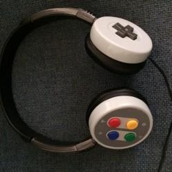 Retro style: SNES headphones