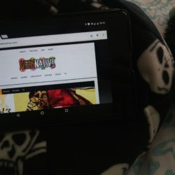 A tablet stand you can snuggle: A review of the iBeani